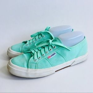 Superga • Minty Green Lace Up Sneakers Size 10